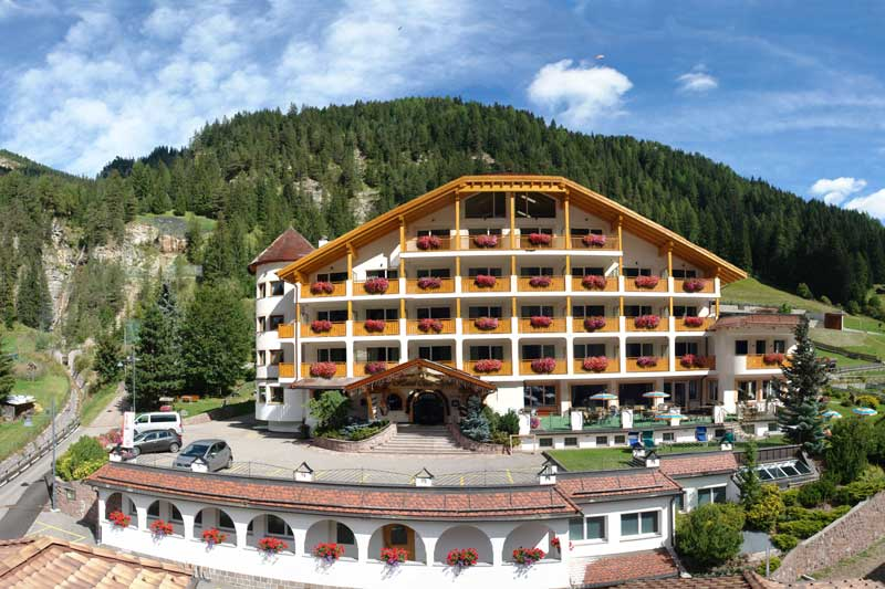 Offerta Last Minute Hotel Césa Tyrol - Canazei - http://www.hotelcesatyrol.com - by Trentinolstminute.net