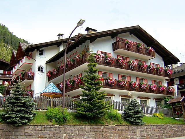 Piccolo Hotel Canazei - http://www.piccolohotelcanazei.it