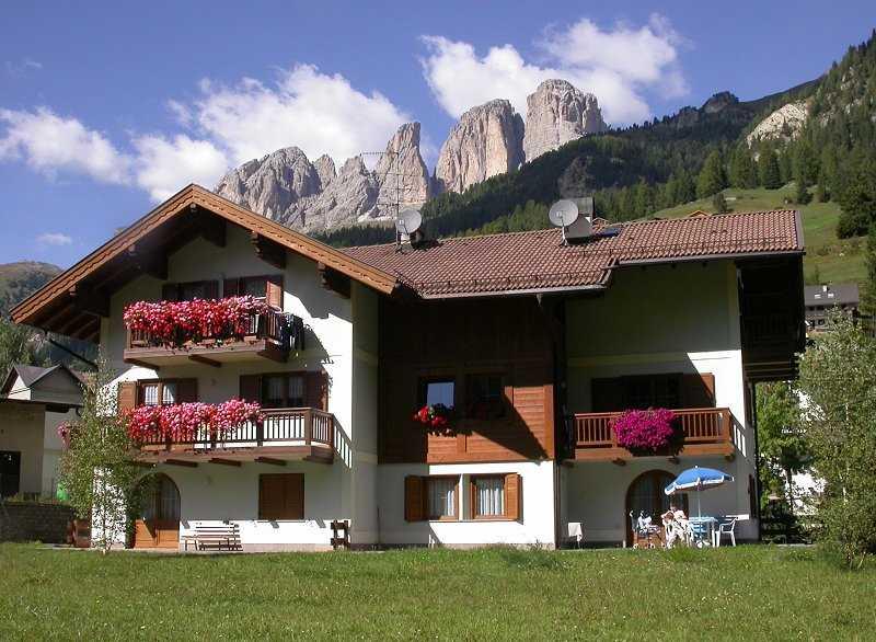 Appartamento a Campitello di Fassa - Riz Flaviano - Strèda Dolomites 91 - Tel: 0462.750479 - Val di Fassa - Trentino