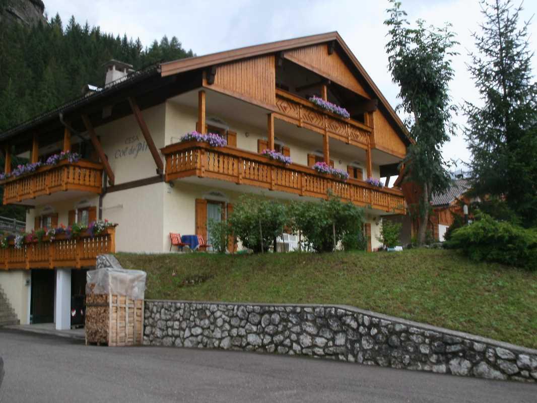 Appartamento a Canazei - Davarda Lina - Col de Pin 13 - Tel: 0462.602589 - Val di Fassa - Trentino