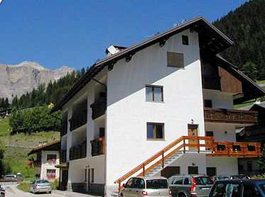 Appartamento a Canazei - Signora Maura - Strèda de Pareda 83 - Tel: 339.8885114 - Val di Fassa - Trentino